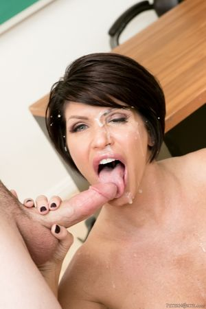 Sassy MILF pornstar Shay Fox gets face..