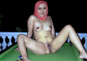 Nude Arabian girls showing charms in..