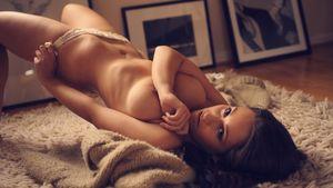 flokati nude naked titten tits nackt -..