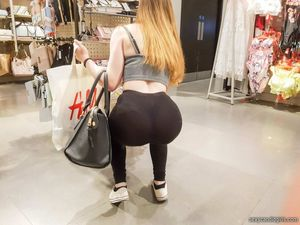 Bending Over Shopping Girl Candid Ass..