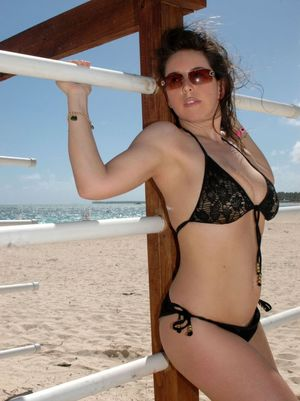 TitanicTits - Mature Female - 30 years..