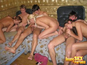 Youngsexparties Cock Loving Teen Girls..