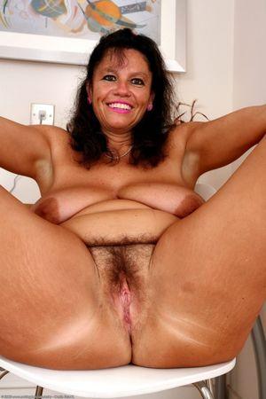 Curvy hairy mature women - Justpicsof