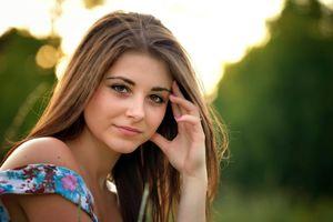dana brown-eyed portrait bokeh HD..