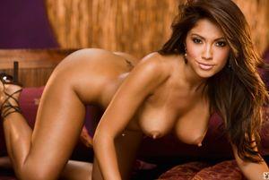 Jessica Burciaga Shows Her Topless..