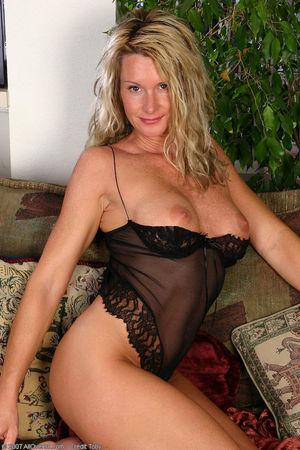 Porn pics of 35 year old MILF in black..