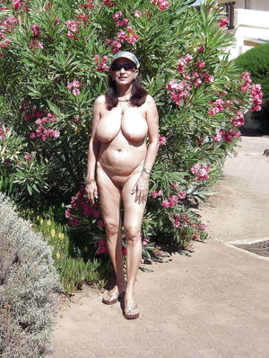 FKK Older ladies 2, Hot Granny Pussy