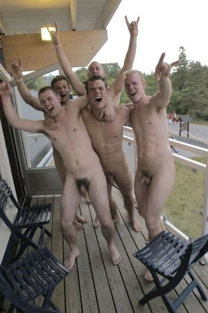 Handsome Nude Teens With Soft Penises..