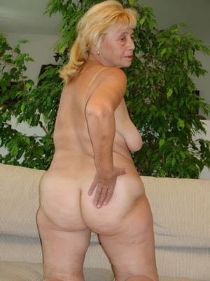 Showing Porn Images for Mature granny..