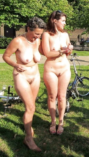 Granny nudists 19 写 真 26