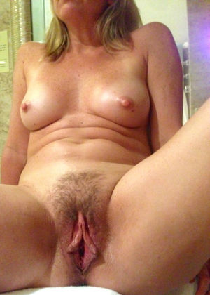 45 year old wife getting creampie from..