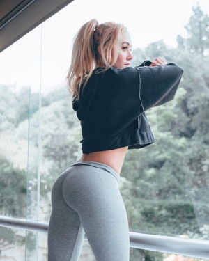 girls in yoga pants