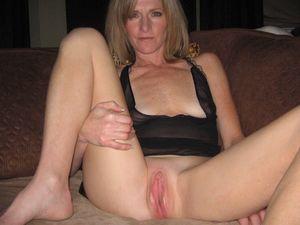 amatuer wife pussy