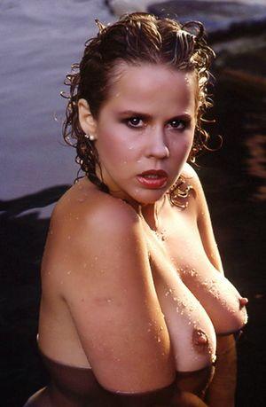 Kozlowski naked linda Linda Kozlowski