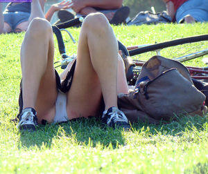 Upskirt and dirty pantie - Adult gallery