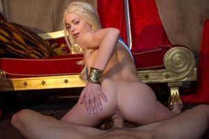 Teen Daenerys Targaryen Cosplay (porn..