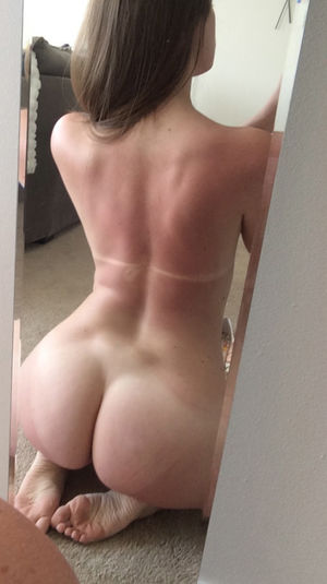 Selfie naked ass YOLO Selfie
