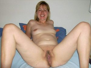 Ametuer wife and mom pussy pics - Other