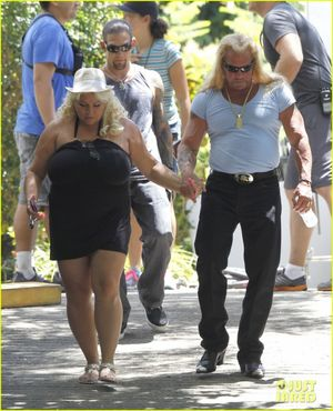 dog the bounty hunter wife naked