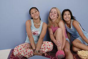 Teen girls sleep over fun - Babes -..
