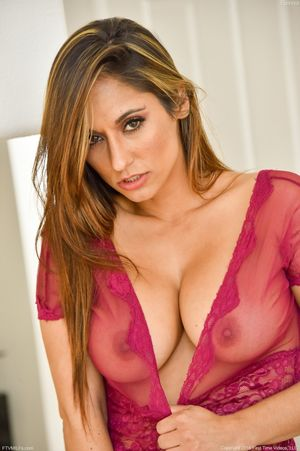 Mature pornstar Reena in sheer..