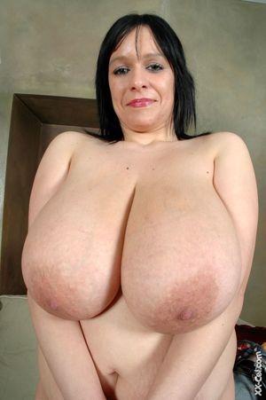 Big tit big boob-naked photo