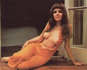 Madeleine Collinson  nackt