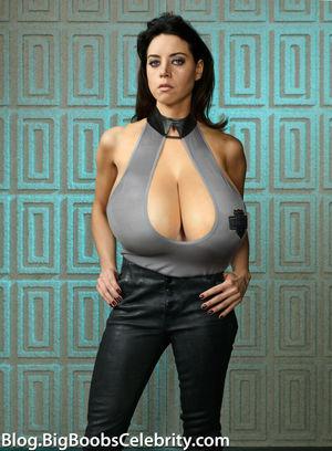 Aubrey Plaza got giant tits - Big..