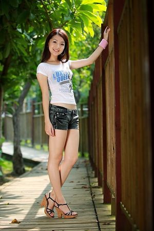 SPICY FEMALES: BEAUTIFUL CHINESE TEEN..