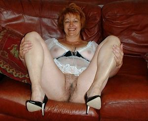 Collection of naked mature women with..