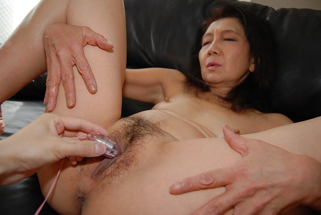 Japanese Granny Porn Pics