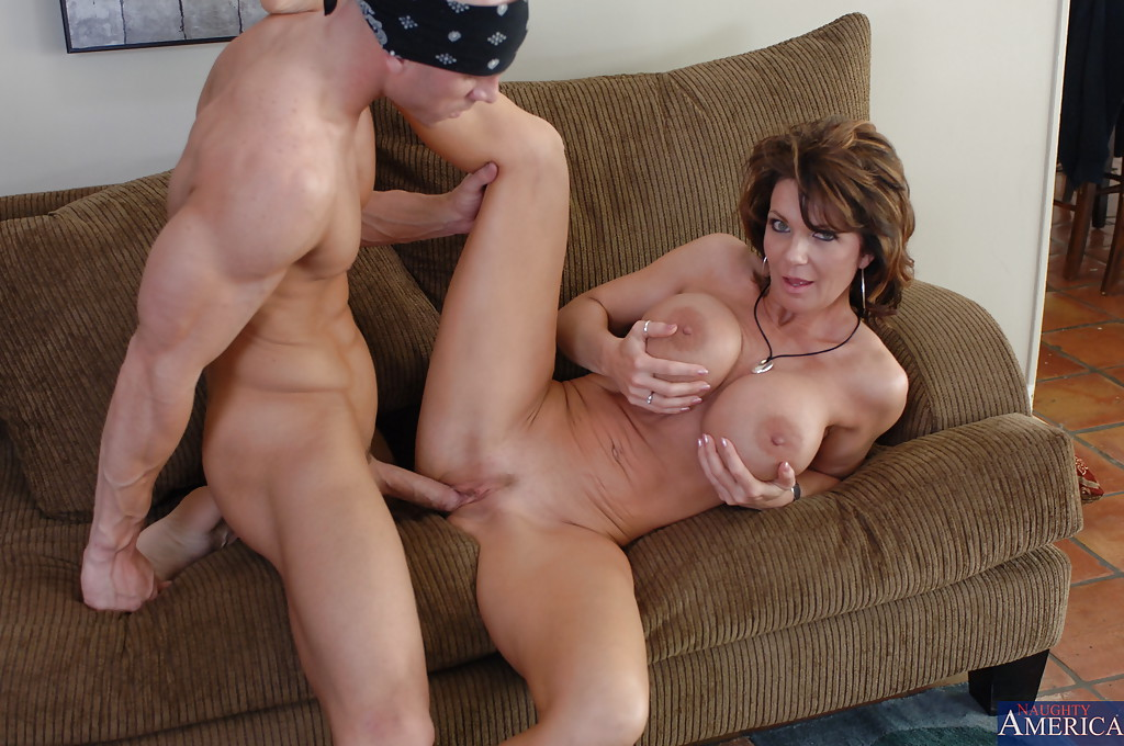 Elegant mom licks a big dick and invites her glamour daughter into mom daughter lesbian incest sex